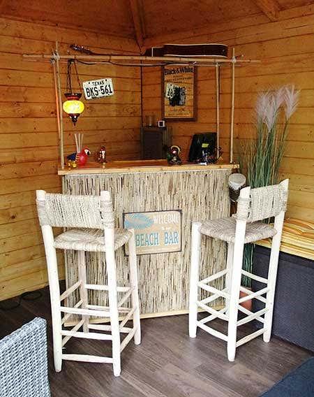 ein gartenhaus einrichten 20 gelungene beispiele von beach bar bis billard gartenhaus magazin. Black Bedroom Furniture Sets. Home Design Ideas