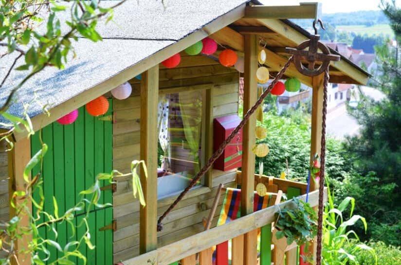 Kinderspielhaus Im Garten Tipps Zur Einrichtung Dekoration