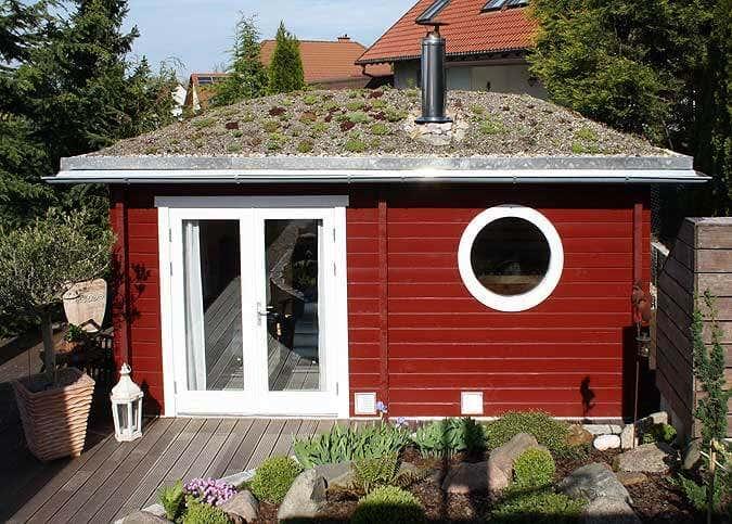 Familie Kurfkes Saunahaus Mit Dachbegrunung Und Holzofen