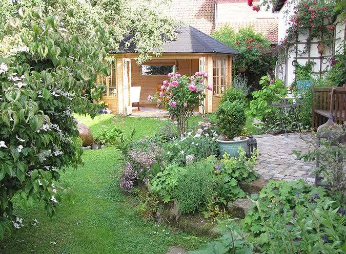 Gartenpavillon sumatra aufbau und einrichtung im for Magazin einrichtung