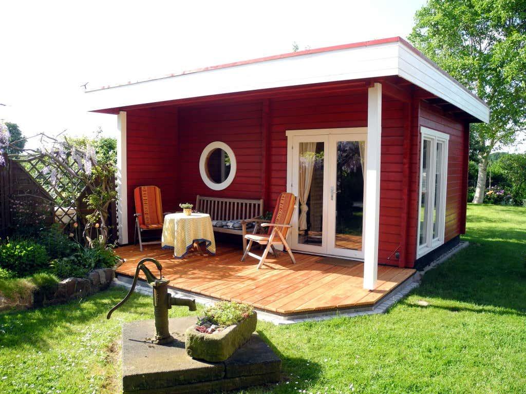 ihr gartenhaus schwedenrot stilvoll die sch nsten h user. Black Bedroom Furniture Sets. Home Design Ideas