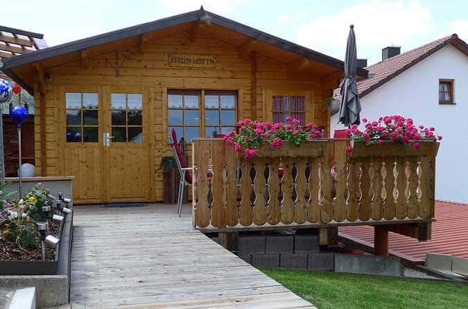 Ein Gartenhaus Auf Stelzen Hanglage Perfekt Gemeistert