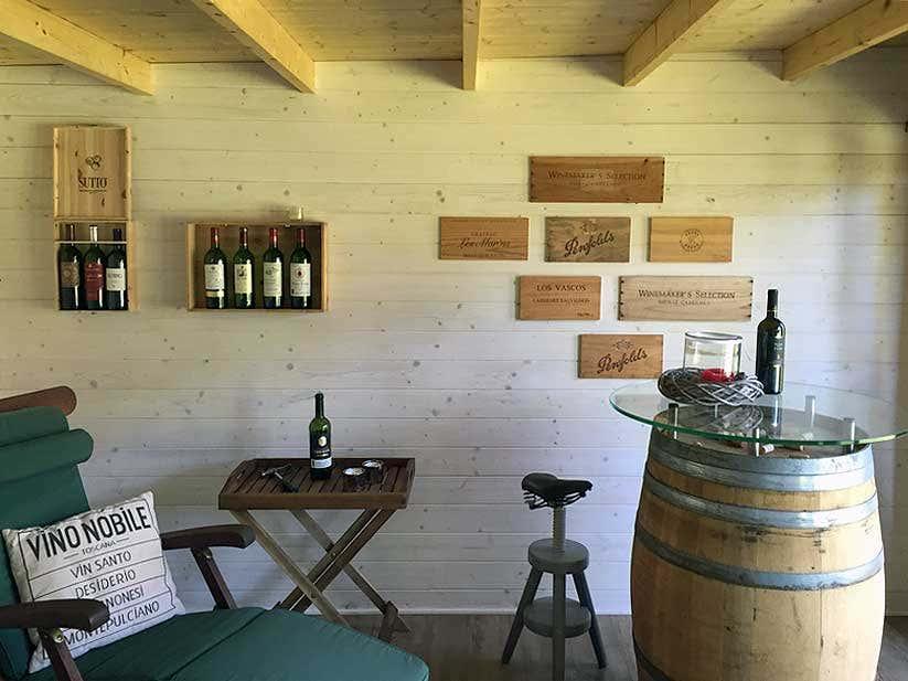 Besondere orte im garten pl tze zum entspannen genie en - Weinfass als gartenhaus ...