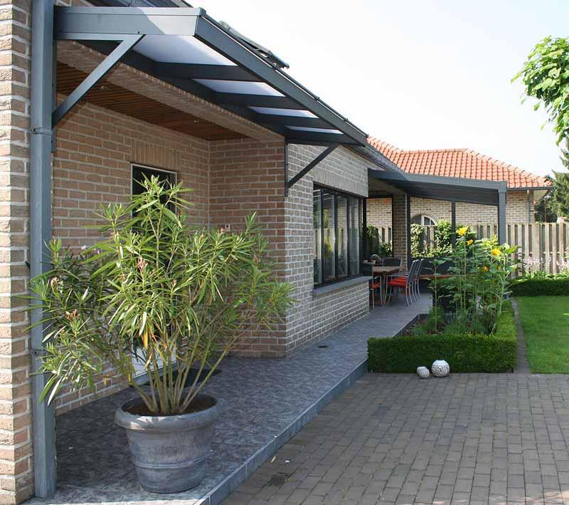 terrassenueberdachung-vordach-glaselemente
