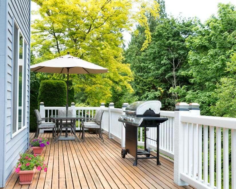 Terrassendielen Holz oder WPC: Das richtige Material für ...