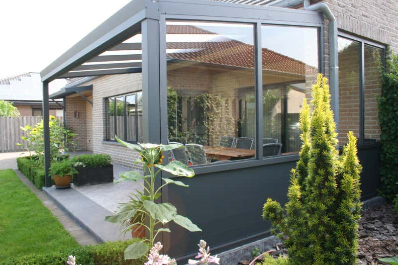 terrassen berdachung unter balkon befestigen. Black Bedroom Furniture Sets. Home Design Ideas
