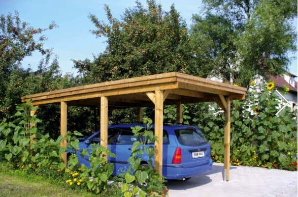carport-holz-bepflanzung